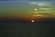Santorini   Ride the sunset and walk in the moonlight / http://lifethinktravel.eu/category/santorini/