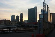SCENARI URBANI _ MILANO / Milano sta cambiando è moderna ...anzi modernissima  ecco come sta cambiando uno dei quartieri di Milano .