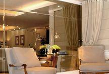 Vale a pena usar vidros e espelhos na decoração? Inspire-se!