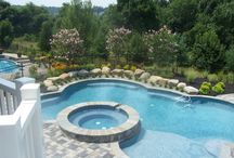 Hot Tub Pool Ideas / If you like the idea of a hot tub around your pool, take a look at some of these pictures to get inspiration for your new or renovated look.