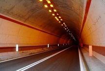 Туннель- путь в никуда  Tunnel road to nowhere / Я вижу свет в конце этого тоннеля. И мне жаль, что его не видишь ты. Но он есть, и, если ты пойдёшь со мной, я приведу тебя к нему. I see the light at the end of the tunnel. And I'm sorry that he can not see you. But it is, and if you go with me, I'll bring you to him.