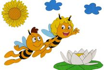 Biene Maja Produkte Kinderzimmer εїз HOBEA / Niedliche Produkte für Kinder mit der kleinen Biene Maja. Kinderzimmer Wanduhren, Garderoben und mehr.