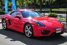 Porsche Cayman(type 981) / 年式 2014 シフト 7速 ハンドル L 初度登録 平成25年5月 排気量 2,700cc 走行距離 2,200Km 車検期限 平成28年5月 ミッション PDK 修復歴 なし カラー(外装) ガーズレッド カラー(内装) ブラック  装備オプション シートヒーター バイキセノンヘッドライト スポーツクロノパッケージ カラークレストホイールセンターキャップ クライメートコントロール スモーカーパッケージ パワーステアリングプラス 電動格納式ドアミラー スポーツデザインステアリング 19インチケイマンSホイール