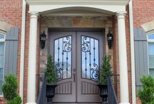 Stunning Front Doors / Is your entryway boring? Designing a new front door and entry to your home is an easy upgrade that can add serious curb appeal to your home. Call us for a free estimate for your project at (352) 372-1221
