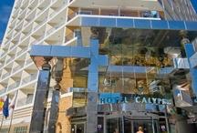 Hotel Servigroup Calypso*** / El Hotel Servigroup Calypso disfruta de una privilegiada situación a escasos 300 metros de la Playa de Levante de #Benidorm, en una animada zona hotelera. #Hoteles // The #Hotel Servigroup Calypso enjoys a privileged location, just 300 metres from Levante Beach, in a lively hotel area in Benidorm.