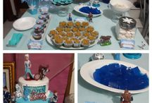 Frozen Party for Louisa's 6th Bday / She wanted Frozen Theme. So i made it