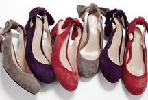 Shoes with Bows for Shoeaholics / Bows are beautiful! Add bows to pumps, sandals, even boots to dress them up!
