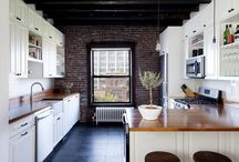 Kitchen / The kitchen is the heart of the home. Bright and modern kitchen inspiration.
