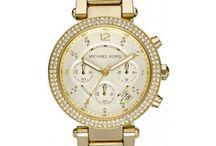 Dámske hodinky / Možno povedať, že hodinky sú dnes už neoddeliteľnou súčasťou každej modernej ženy. Dámske hodinky už dávno nie sú len obyčajným ukazovateľom času, stali sa predovšetkým elegantným módnym doplnkom. Nie nadarmo sa hovorí, že dámske hodinky sú vizitkou ženy a že ich štýl mnohokrát napovie o osobnosti ich majiteľky. Preto je dôležité výber dámskych hodiniek nepodceniť. Správne zvolené hodinky dokážu podčiarknuť charakter a šarm svojej majiteľky.