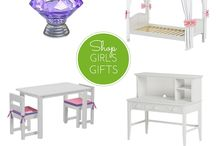 Boys & Girls Furniture Holiday Gift Ideas / Combine traditional gifts like puzzles, toys & books with a timeless and/or practical gift like kid's furniture!