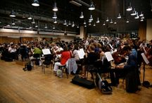 [OEF 2011] Making off / Découvrez le making off du spot TV d'Orchestres en fête avec Julie Gayet, marraine de l'édition 2011. http://www.orchestresenfete.com/2011/