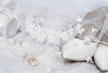 Wedding Tips & Guides / by Vanessa D