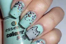 Ooh lala nails!