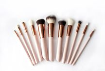 Luxury Rose Gold Makeup Brushes / Beautiful, luxurious makeup brushes by Aikosmetics ltd.  Discovering the elegance of beauty..