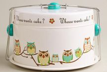 Cake Carriers and other sweet storage / by Lauren Logan