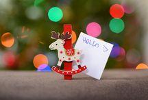 Tőlem. Neked? / Karácsony, ünnepek – ajándékok. Kéz a kézben járnak és erősen kérdéses, hogy vajon mi lesz nagyobb: a vele vagy érte való küzdés, esetleg az öröm, amit okozunk? Rohanunk és gyűjtünk decemberben, az a bizonyos felcsillanó szemes, őszinte mosollyal és meghatottsággal járó pillanat viszont valahogy elmarad. Több beszélgetés, figyelem, valódi érdeklődés? Mi hiányzik ahhoz, hogy képesek legyünk igazi örömöt okozni?