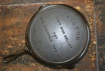 Vintage Cast Iron Cookware / This page shows the most watched rare cast iron cookware for sale or sold: http://www.wonderfinds.com/s/Collectibles/Kitchen-Home/Kitchenware/Cookware/Cast-Iron
