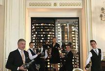 Chateau Hotel Mont Royal / DIMENSIONS EXTÉRIEURES : Largeur (façade) : 2200 mm Profondeur : 573 mm Hauteur : 3000 mm Capacité : 34 clayettes coulissantes x 12 bouteilles = 408 bouteilles 4 clayettes fixes inox x 11 bouteilles = 44 bouteilles Total = 452 bouteilles