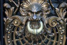 Koładki - the Door Knockers