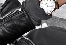 Zegarki Bardzo Kobiece / Zegarek to Nieodzowny Element każdej Kobiety i Mężczyzny. Swojego rodzaju uważany jest Niejako ze element Biżuterii, przynajmniej u Mężczyzn. Kobiety również cenią sobie Walory Estetyczne i Przykładają Ogromną Wagę do Jakości i Designu