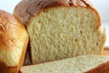 Breads / Cornbread, wheat bread, white bread and more.