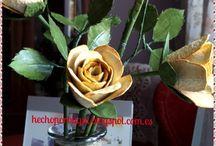 Flores con cartones de huevos / Todas las flores que se pueden hacer con cartón de huevos.