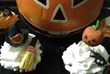 Halloween Cupcakes / It's a Halloween themed board