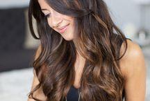 Cabelos longos escuros e com mechas / Ideias para mudar o visual dos cabelos e não abre mão do longo.
