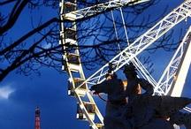 Les grandes roues dans le monde ! / New-York, Paris, Londres... Les grandes roues.. on en trouve partout dans le monde ! Elles font rêver, elles émerveillent aussi bien les petits que les grands.. elles permettent de voir des panoramas inédits, de découvrir la ville autrement... Aujourd'hui, Saint-Jean de Monts aussi a sa grande roue ... :)