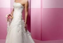 wedding hairstyle ideas / by Jennifer Gaytan