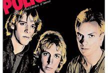 The Police Discografia / The Police sono stati un gruppo rock inglese nato a Londra nel 1977. A distanza di 23 anni dalla separazione, avvenuta nel 1984 seppur mai ufficializzata, i Police hanno inaspettatamente annunciato il 12 febbraio 2007 un tour mondiale che ha avuto luogo nella seconda metà del 2007  Si calcola che nel periodo della loro attività i Police abbiano venduto circa 50 milioni di dischi.