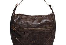 Liu-jo / Benvenuti...in questo spazio potrete trovare tutte le nostre migliori borse LIU-JO acquistabili direttamente on-line sul sito www.abzan.com a prezzi scontati fino al 70%!