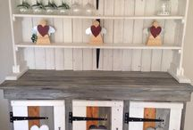 Pallet furniture and crafts
