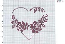 corazones punto de cruz