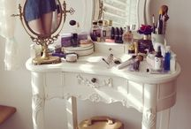 Make up room and vanity decor