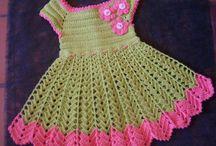 grøn kjole med lyserød2