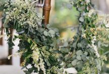 chair wreaths vs chair swags / wedding ceremony decorations
