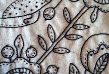 IGŁĄ I...: haft płaski jednokolorowy