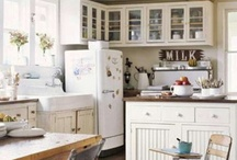 Kitchen / by Maria Bailey