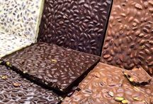 Beyoğlu Çikolatası / You will feel the beat of Beyoğlu when you take a bite of Melodi's new milk and dark chocolate with whole nuts & pistachio.  Bir Beyoğlu klasiği olan bütün fındıklı/fıstıklı bitter/sütlü çikolatayı 1957'den beri eşsiz gurme lezzetlerin yaratıcısı Melodi Çikolata ile yeniden keşfedin.