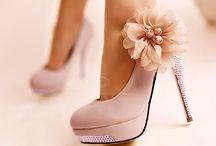Zapatos y mas zapatos. Love it!