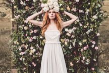 wall of flowers / how to create a nice corner for pics or simply to have a great woow effect