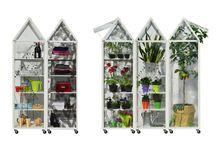 TITTI Mini conservatory / Pensando all'autunno .. pensando al riparo per le nostre piante..ma anche pensando ad un giocoso armadio - contenitore in giro per casa su ruote!