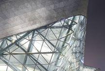 近代建築 / 盾も・素材感・ディテール