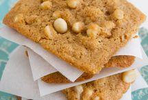Vegan Cookies / by The Curvy Vegan