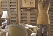 Shutter decor / Ideas of ways to use old shutters in modern homes.