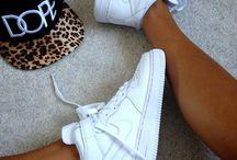 Pantofi si adidasi