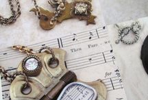 jewelry / by Anna Toppi