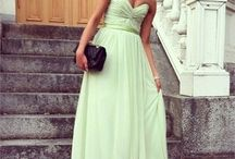 Dresses / by Malissa de Bruin