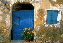 Doorways and entries / by Cherie Stout Davis